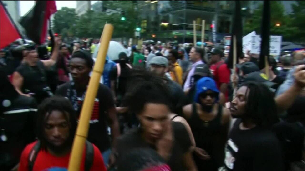 Clima é de tensão em protestos contra o racismo e supremacistas brancos nos EUA