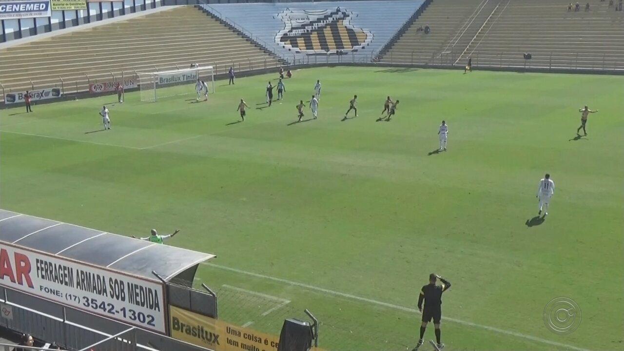 Gol nos acréscimos dá vitória ao Novorizontino contra o Votuporanguense