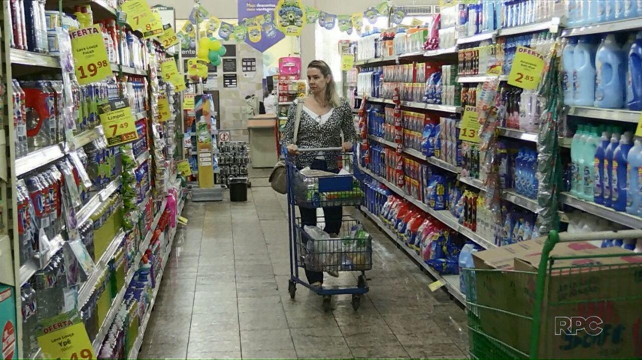 Três redes de supermercados conseguem liminar na justiça para abrir aos domingos