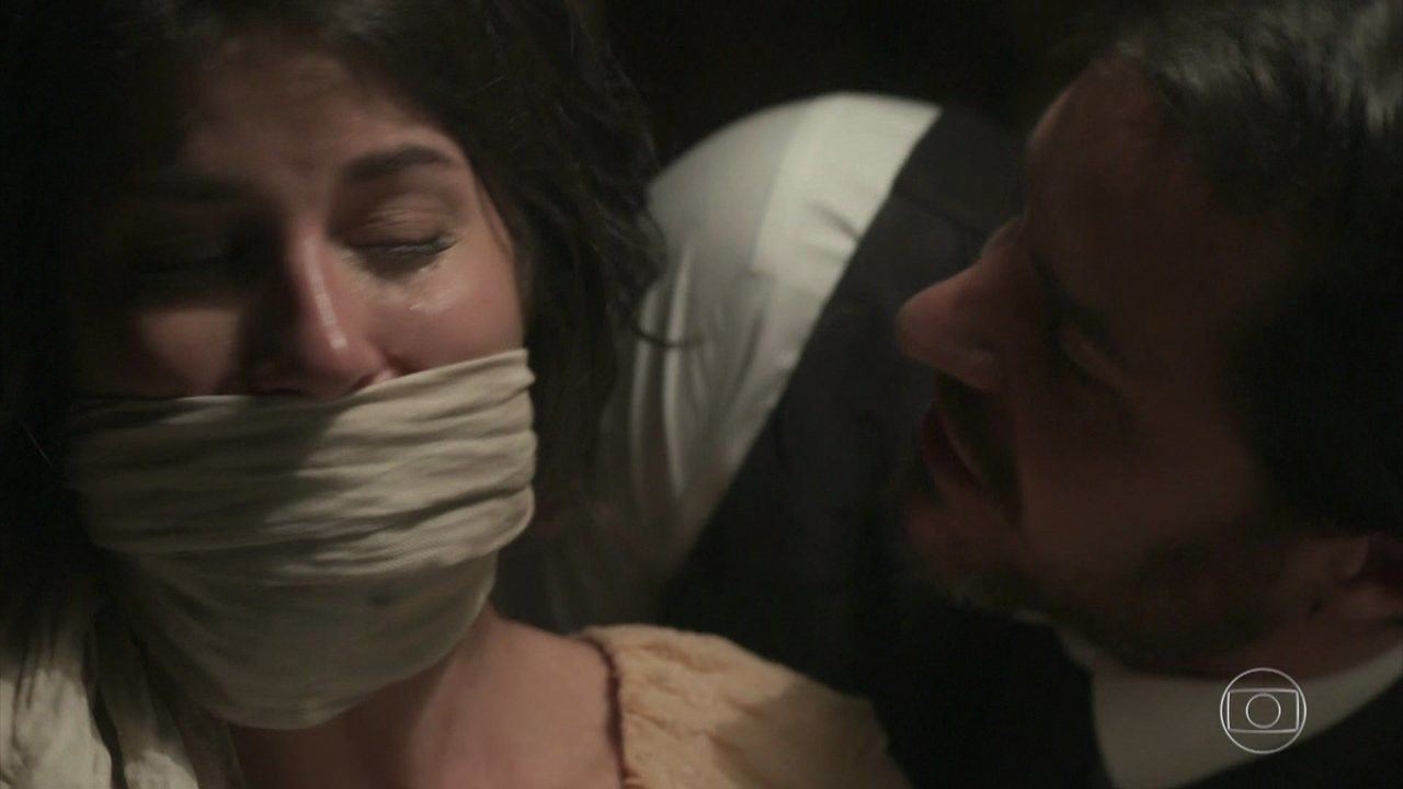 REVEJA A CENA em que Xavier corta os cabelos de Mariana