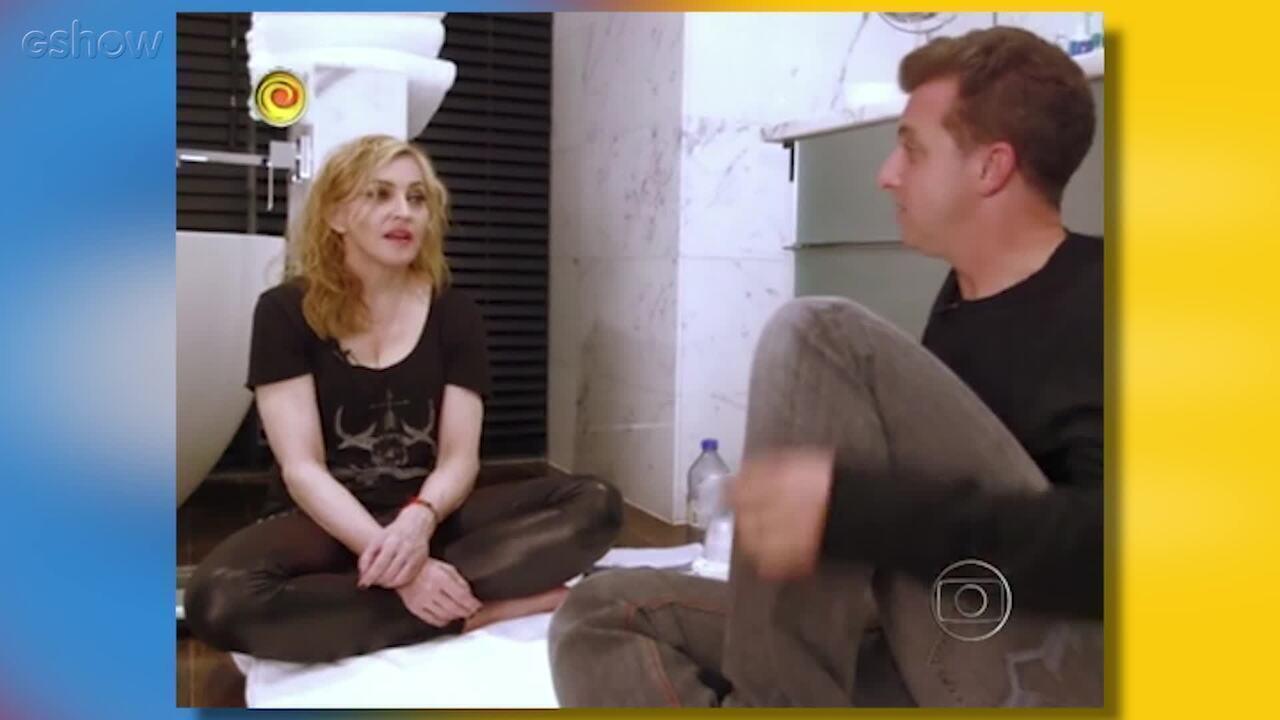 Relembre a entrevista de Luciano Huck com Madonna no banheiro em 2012