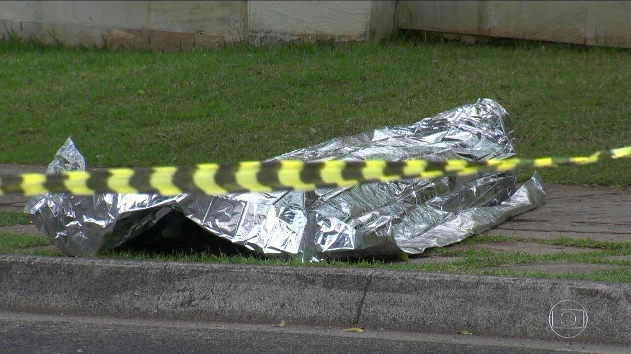 Mulher é executada no meio da tarde na Zona Oeste do Rio