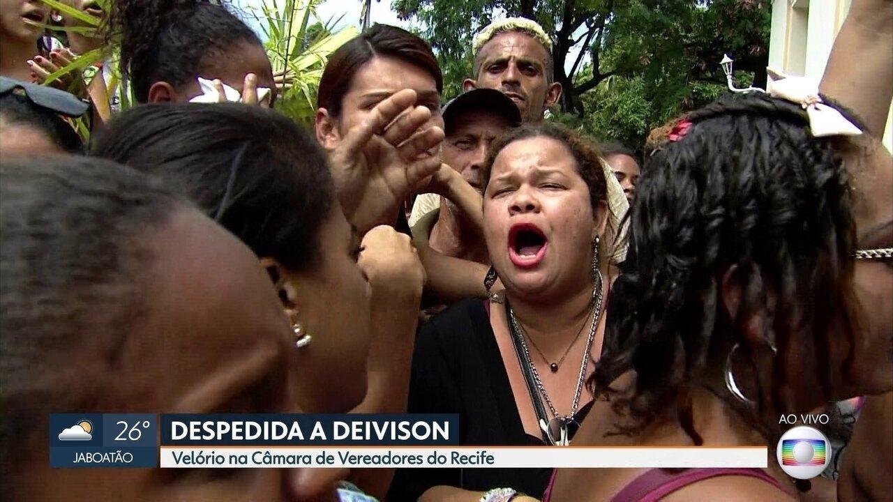 Câmara de Vereadores do Recife fica lotada no velório de Deivison Kellrs