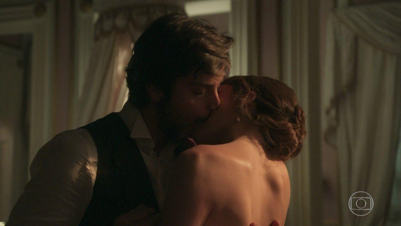 Ema e Ernesto têm sua primeira noite de amor