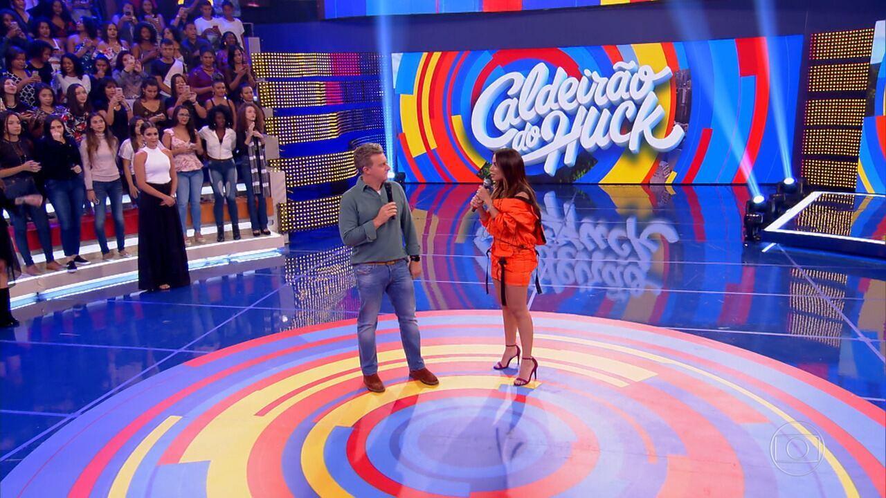 Anitta comenta seu novo clipe e fala sobre 'Clube da Anittinha'