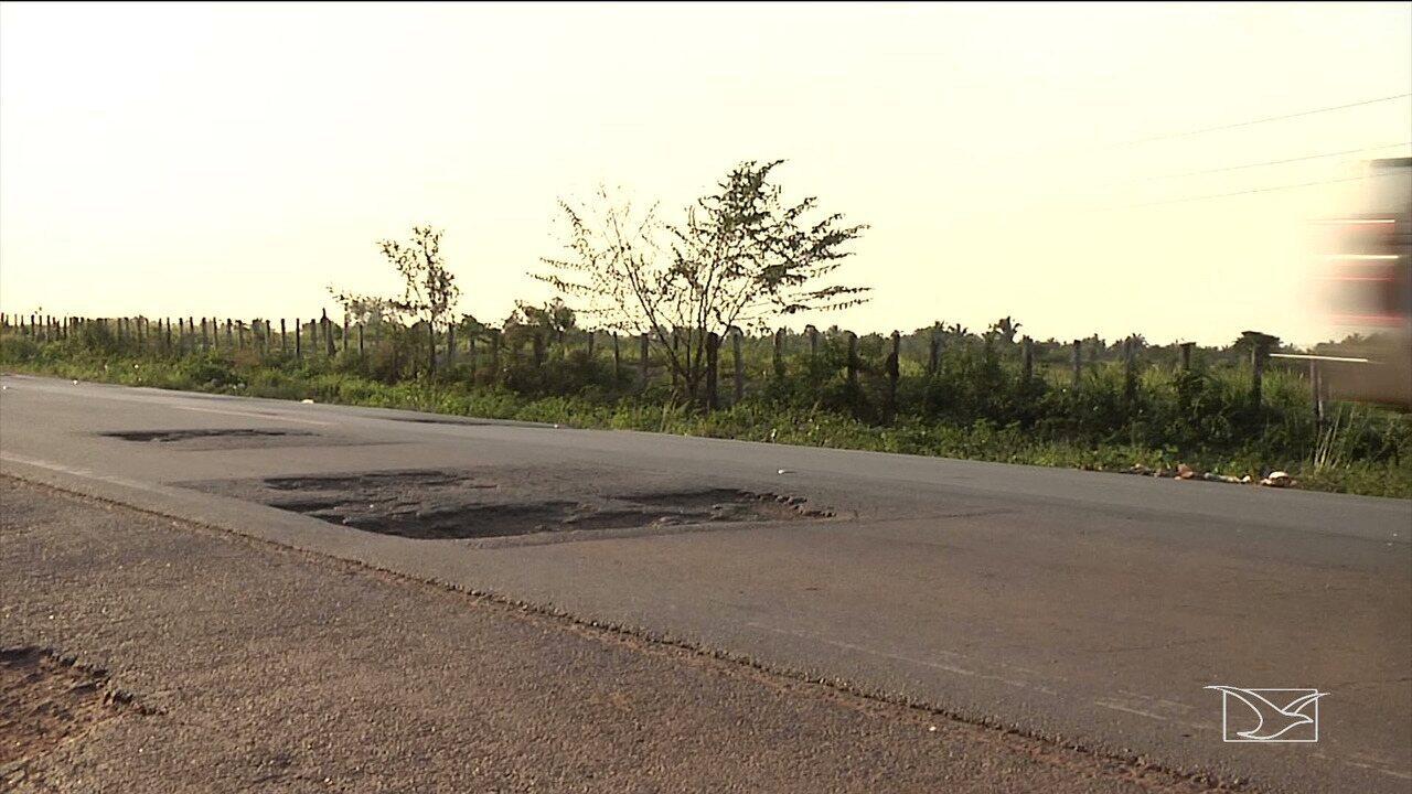 Motoristas reclamam de condições de trecho da BR-222 no Maranhão