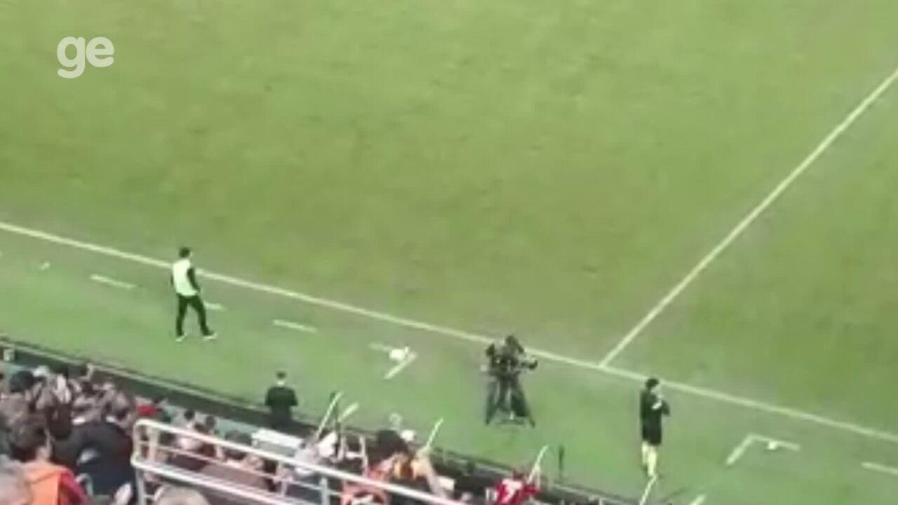 Confira a reação de Alberto Valentim após o gol do Atlético-PR