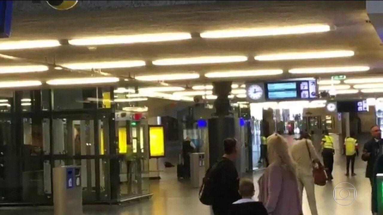 Três pessoas ficaram feridas em ataque a faca na principal estação de Amsterdã