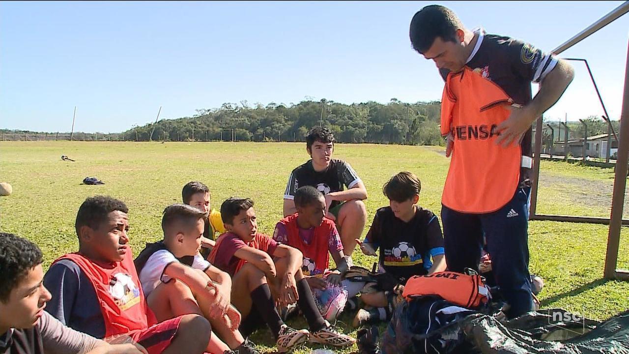 Doações da campanha 'Esporte Faz Bem' são entregues para entidades de SC