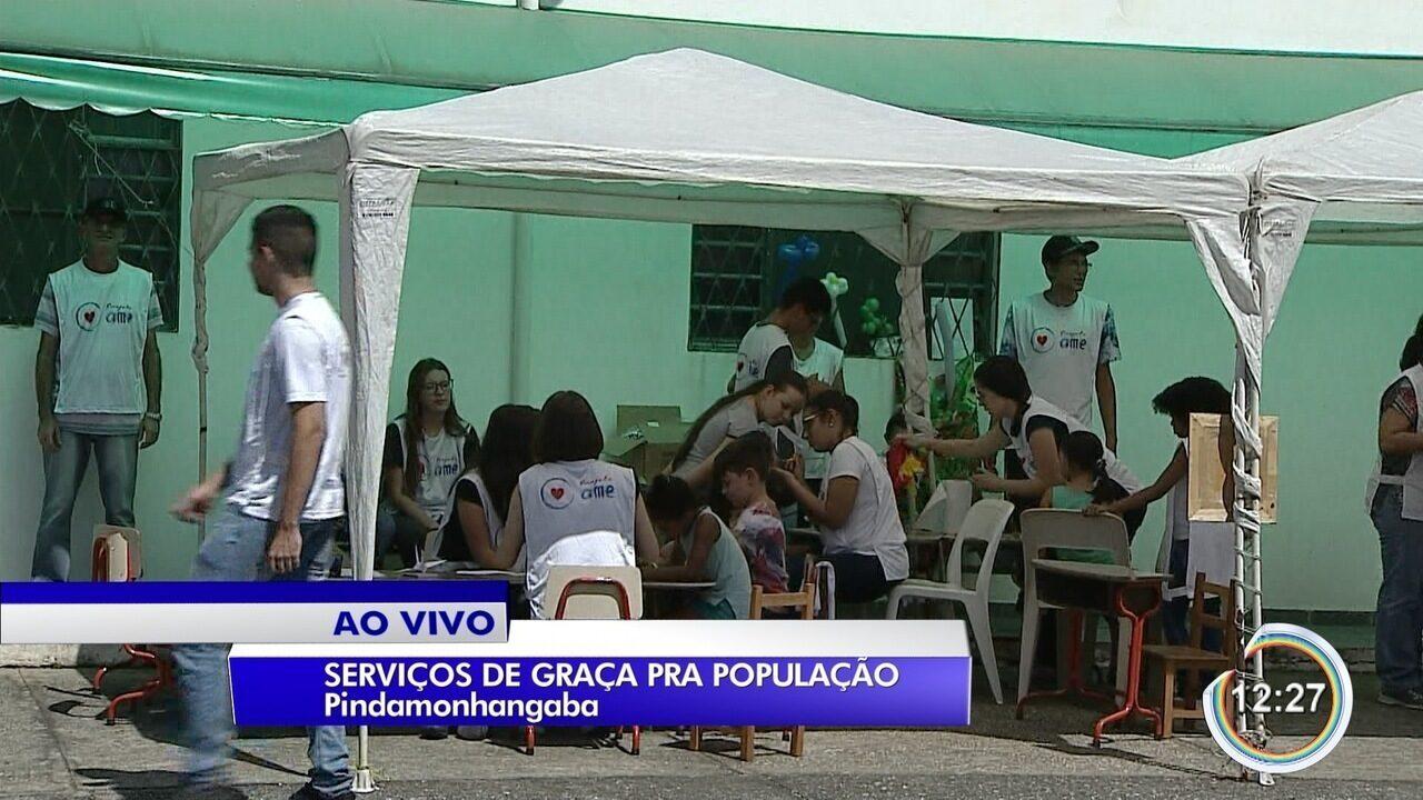 Voluntários de igreja em Pinda oferecem serviços à população