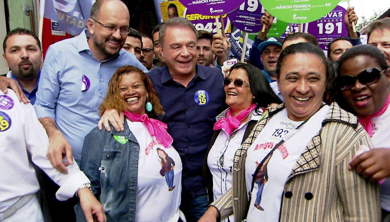 Alvaro Dias participa de caminhada na Zona Leste de São Paulo