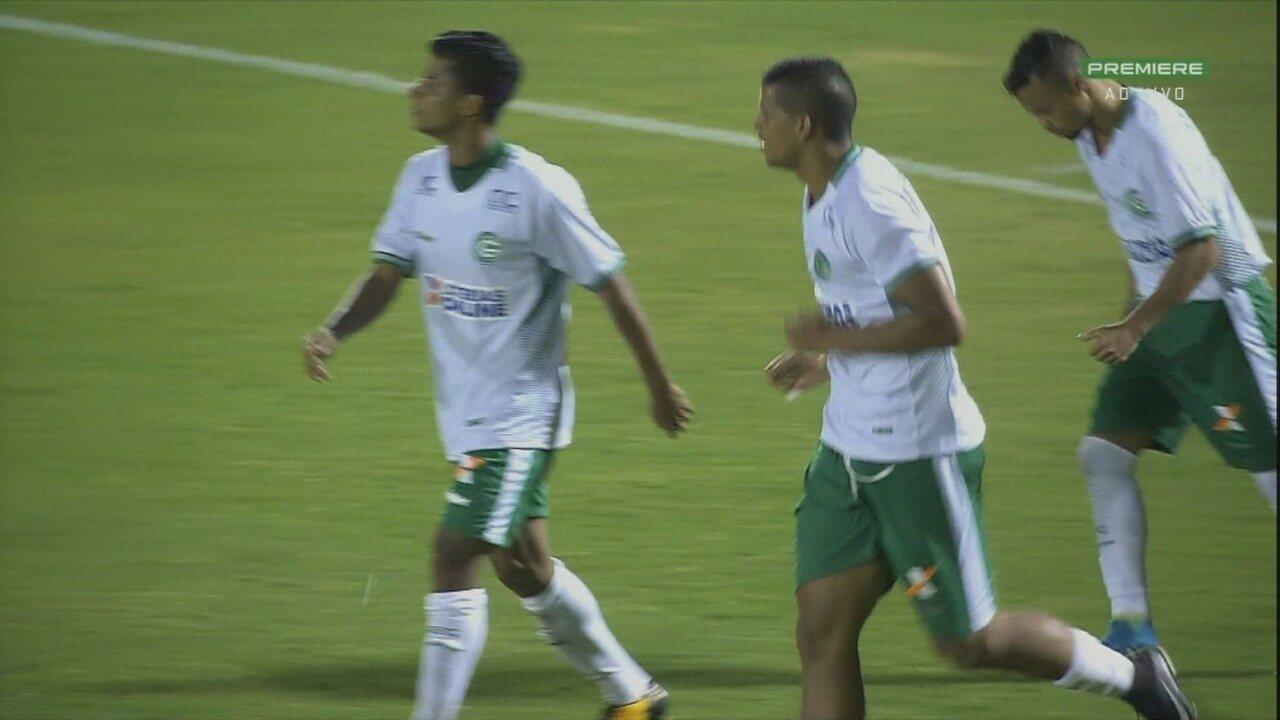 Gol do Goiás! Lucão aproveita jogada da direita e completa para as redes do Guarani