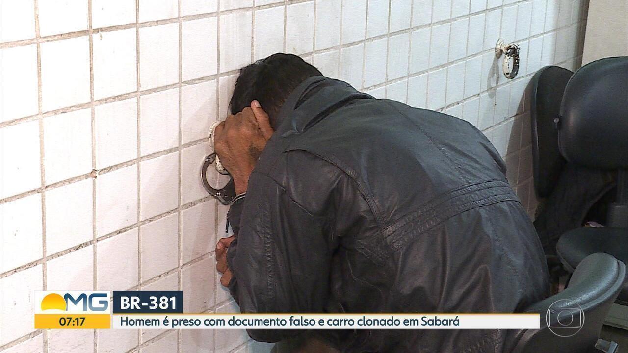 PRF prende homem com documentos falsos e carro clonado em Sabará