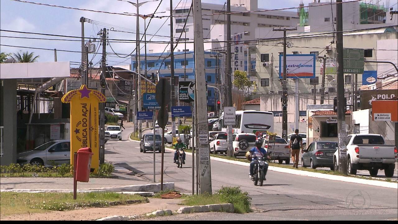 Quase 70 postes são derrubados em acidentes de trânsito, só este ano, em João Pessoa