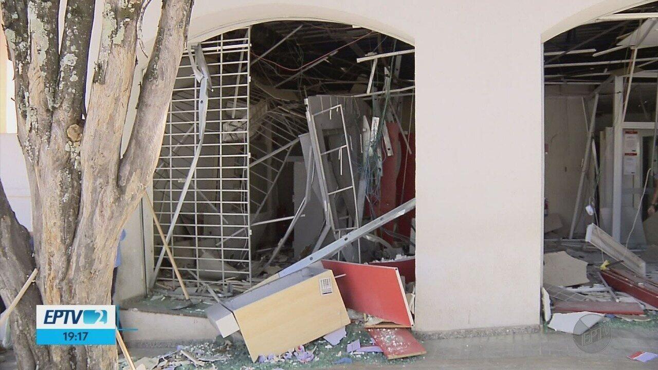 Agências bancárias são alvos de ataques a caixas eletrônicos em Cruzília (MG)