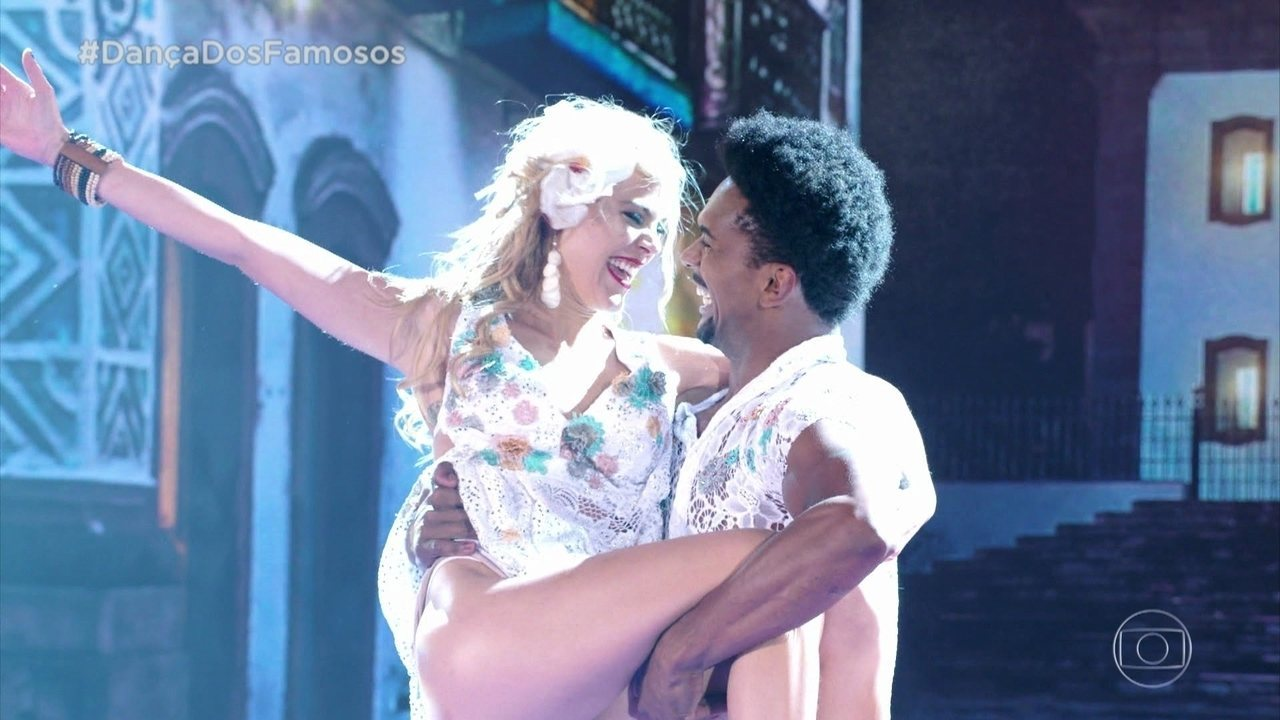 Pamela Tomé e Marcus Lobo arrasam no forró