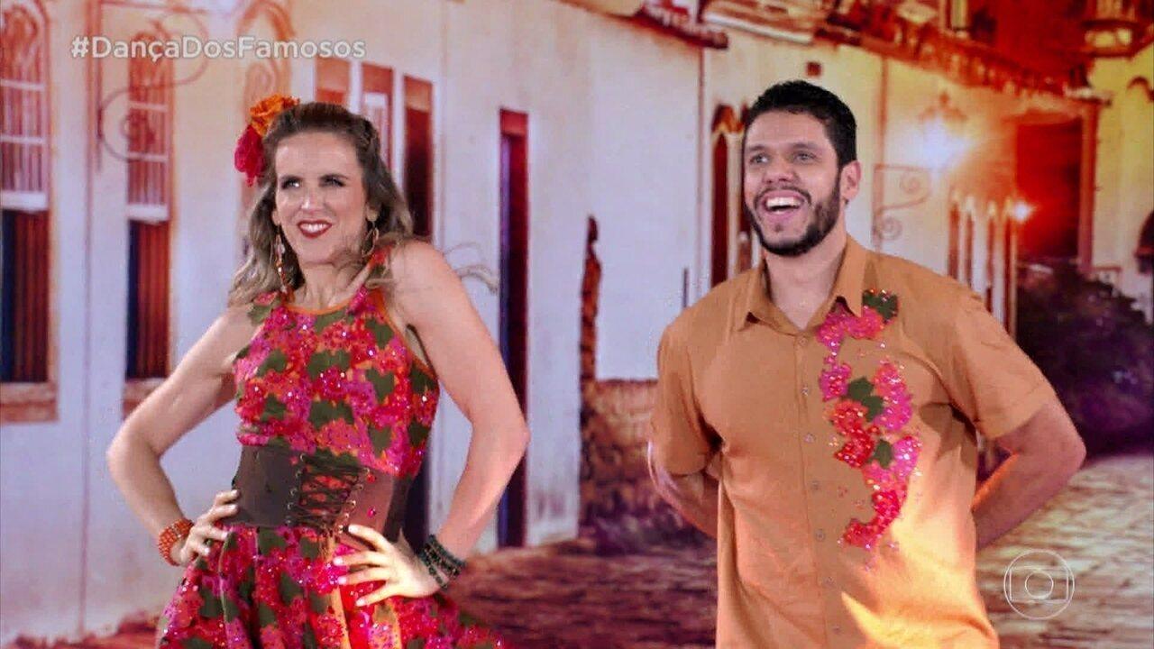 Mariana Ferrão e Ricardo Espeschit encantam no forró