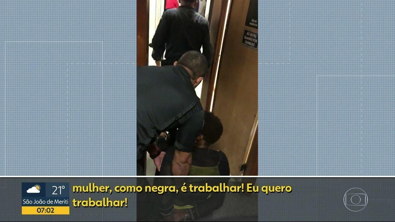 Policiais Militares algemaram uma advogada durante uma audiência em Duque de Caxias