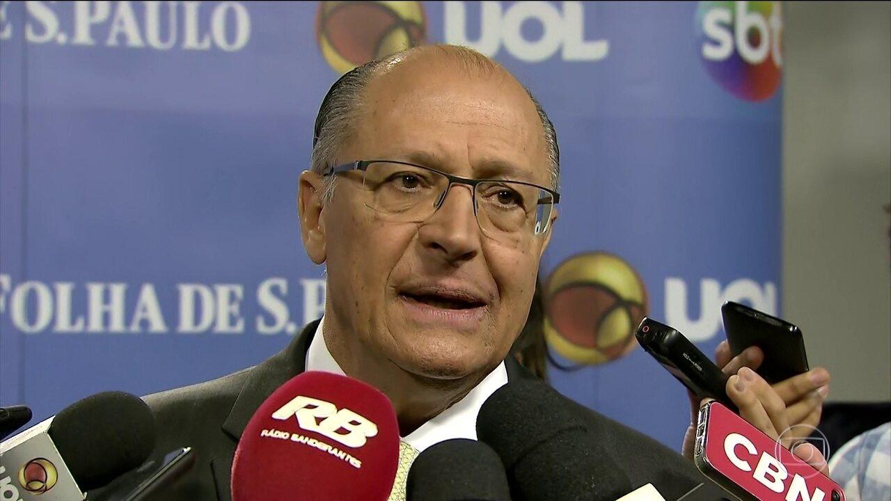 Geraldo Alckmin participa de entrevista em São Paulo nesta terça-feira (11)
