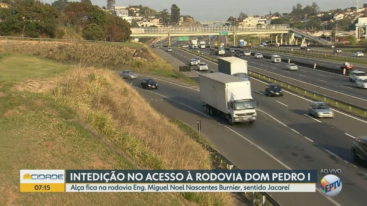Alça para a Rodovia Dom Pedro I é interditada para implantação de passarela em Campinas