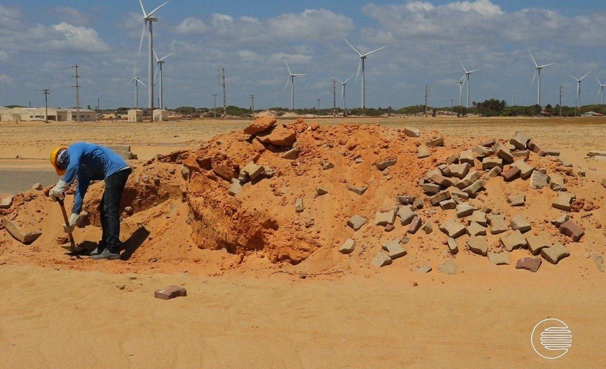 Falta de estrutura e segurança na praia Pedra do Sal afasta visitantes