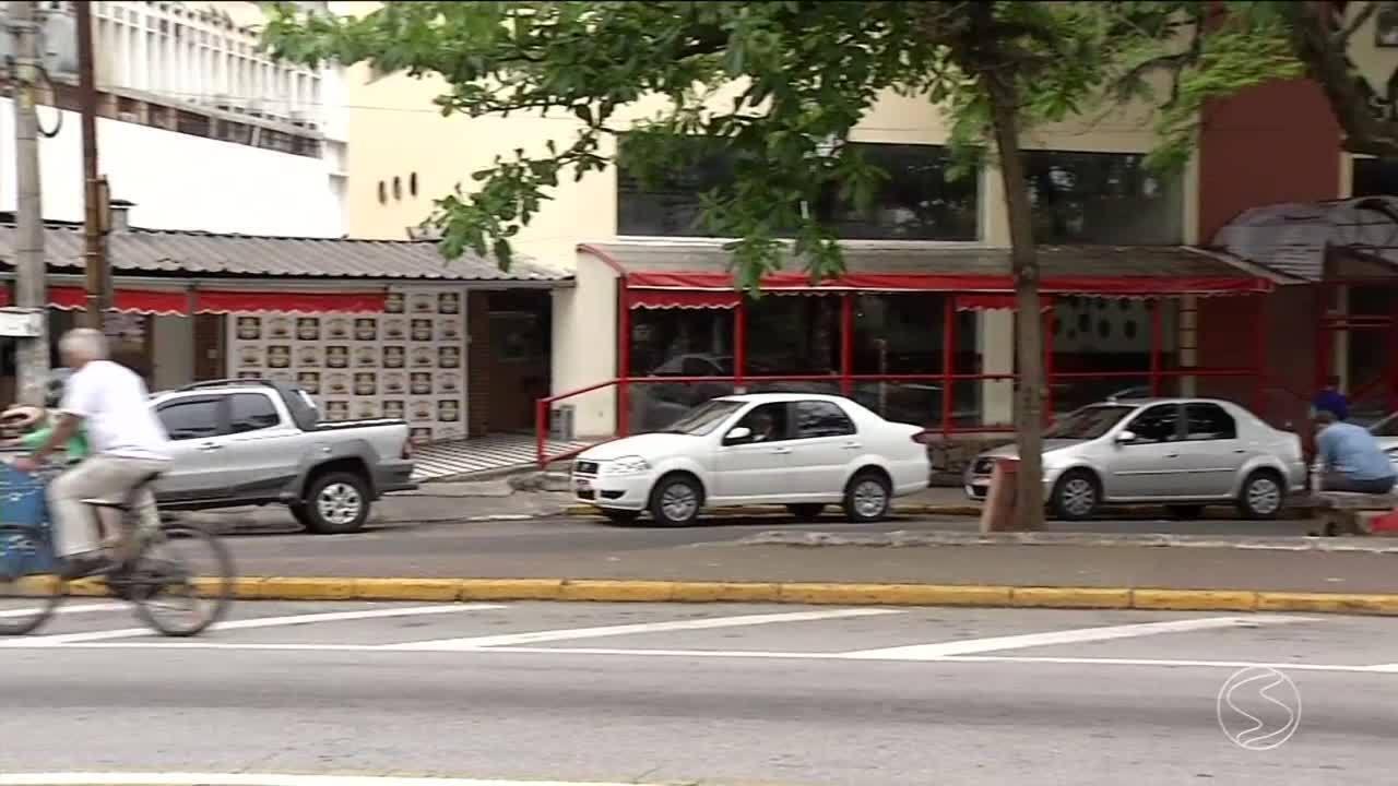 Homem é morto a tiros dentro de choperia em Resende, RJ