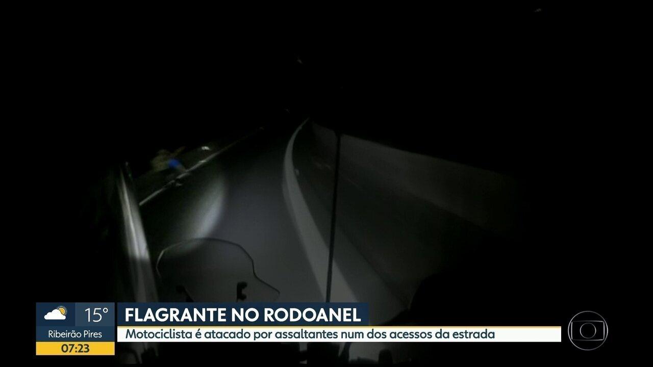 Motociclista é atacado no Rodoanel, na grande São Paulo