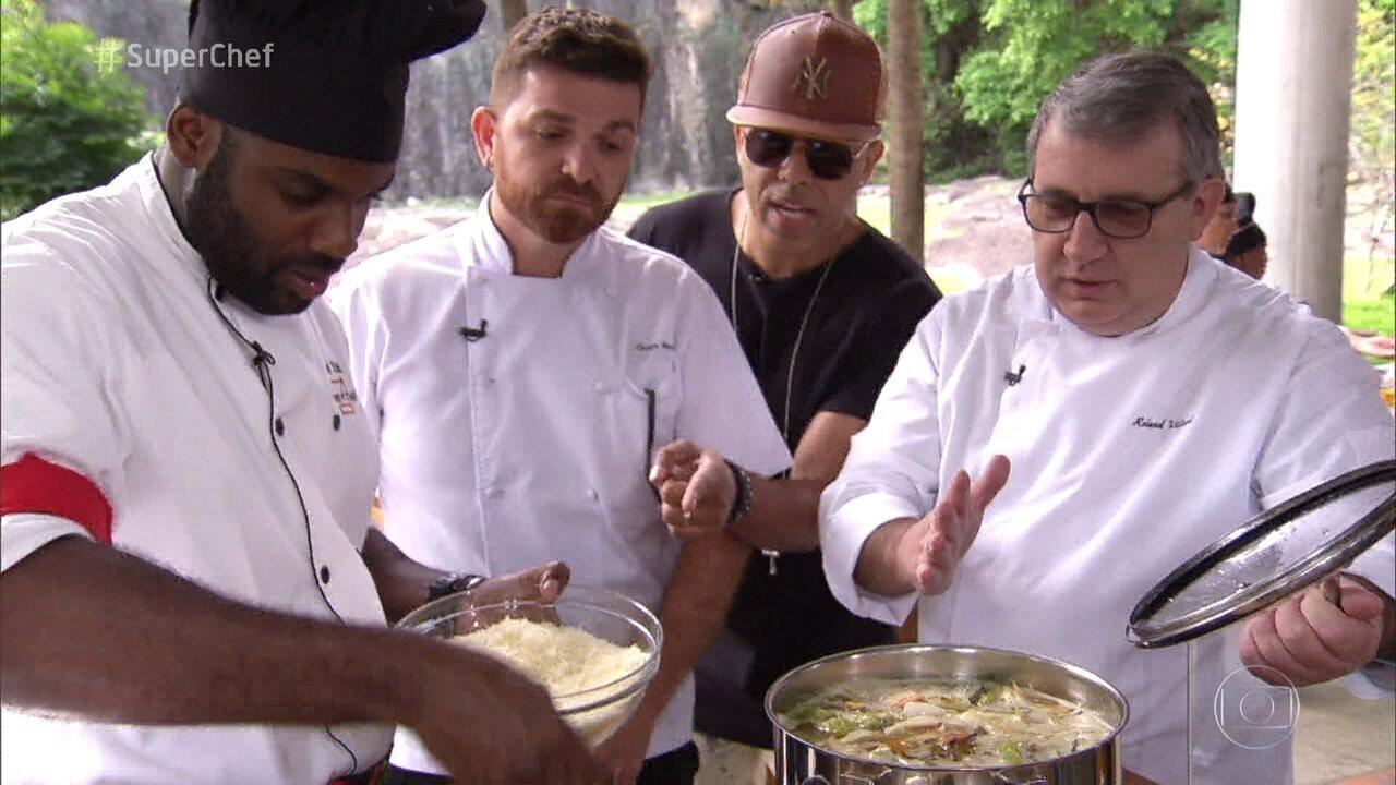 Duplas tiveram que cozinhar para 60 pessoas