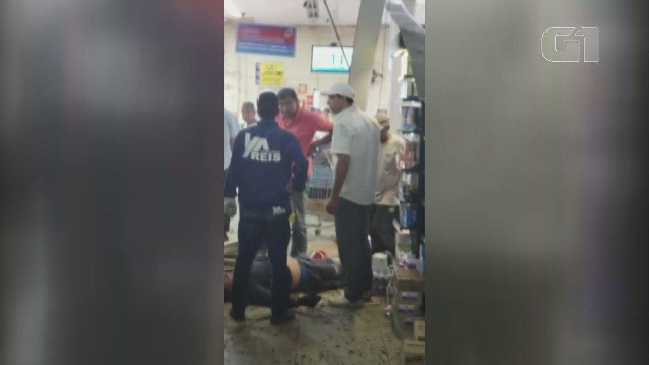 Homem despenca de cinco metros dentro de supermercado em Santos, SP