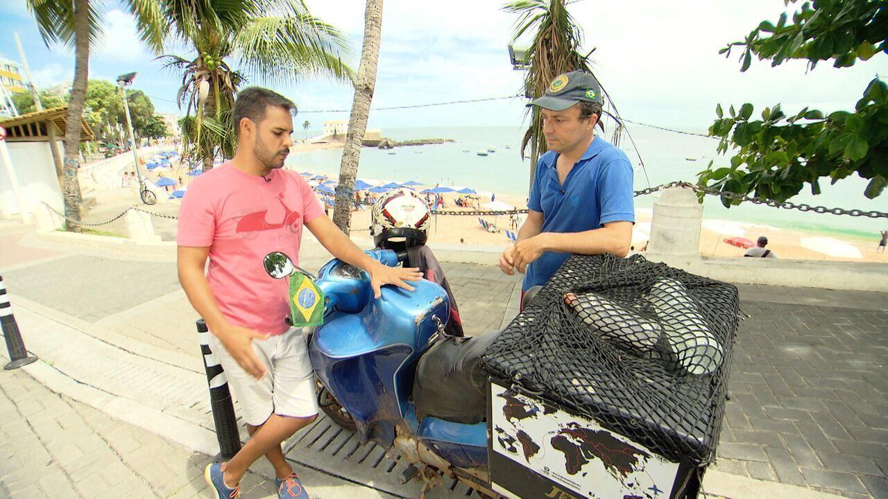 Pablo conhece um motociclista que decidiu rodar o mundo em uma moto
