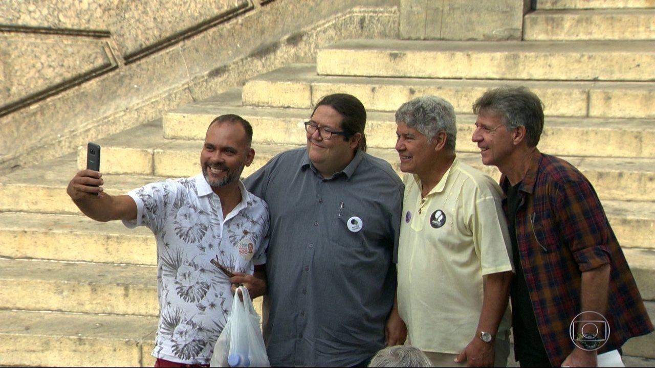 Tarcísio Motta participou de ato político no Centro nesta sexta (14)