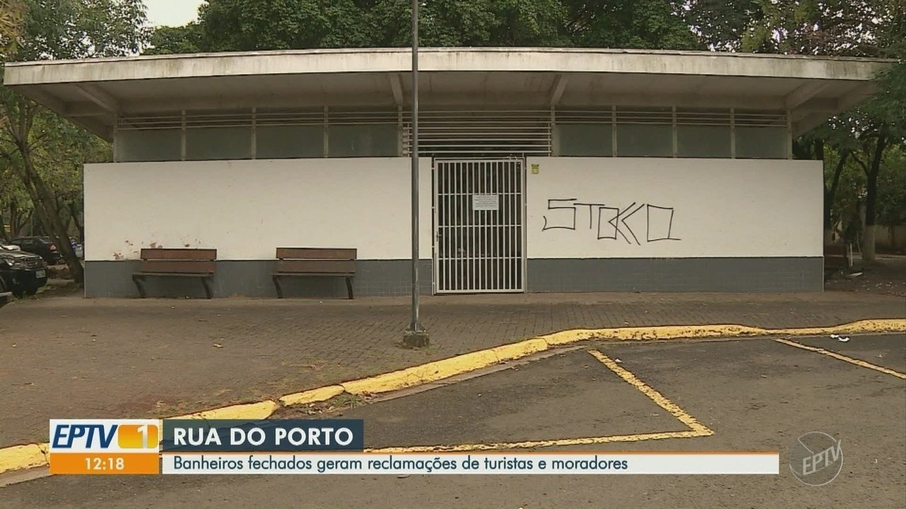 Turistas e moradores reclamam de banheiros fechados na Rua do Porto, em Piracicaba