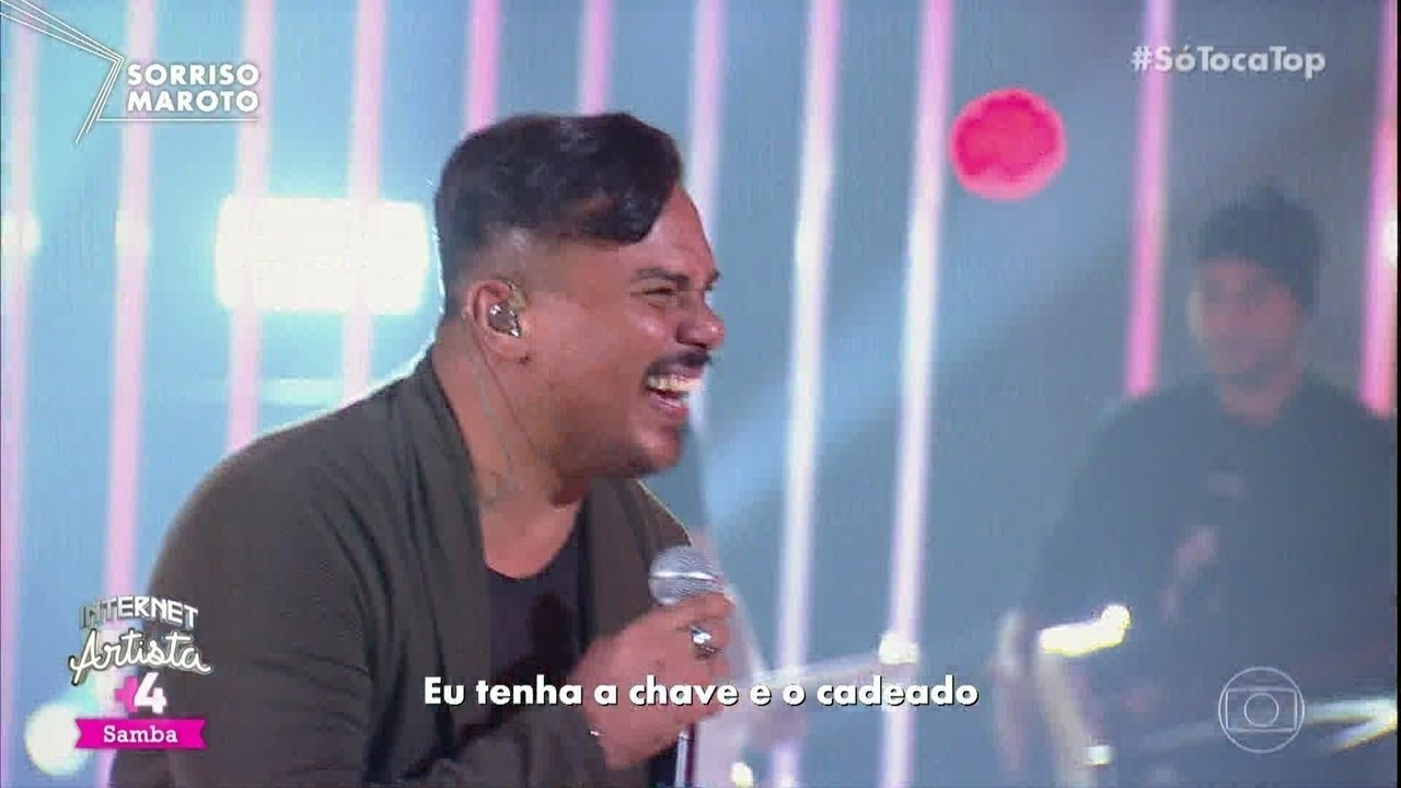 "Sorriso Maroto canta ""Chave e o Cadeado"""