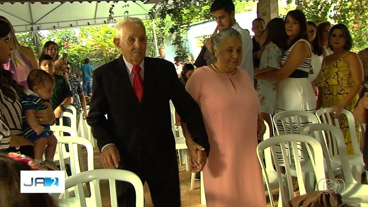 Casal quase centenário comemera 70 anos de união em Goiânia