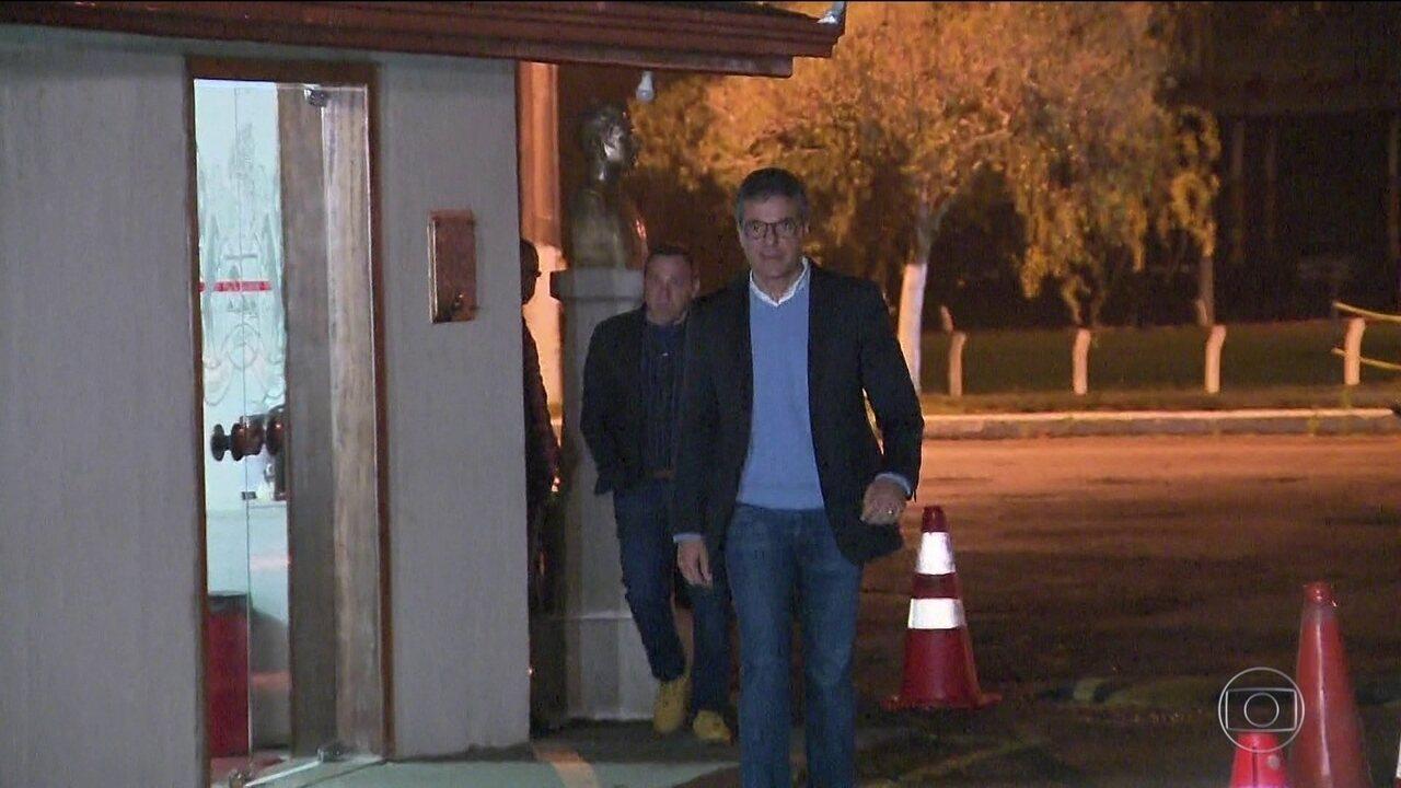 Ex-governador do Paraná e candidato ao Senado, Beto Richa, do PSDB, deixou a cadeia
