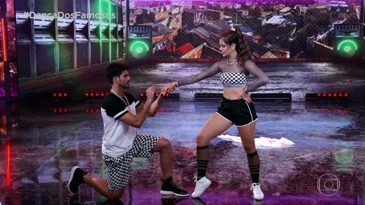 Anderson Tomazini e Juliana Acácio se apresentam com o funk