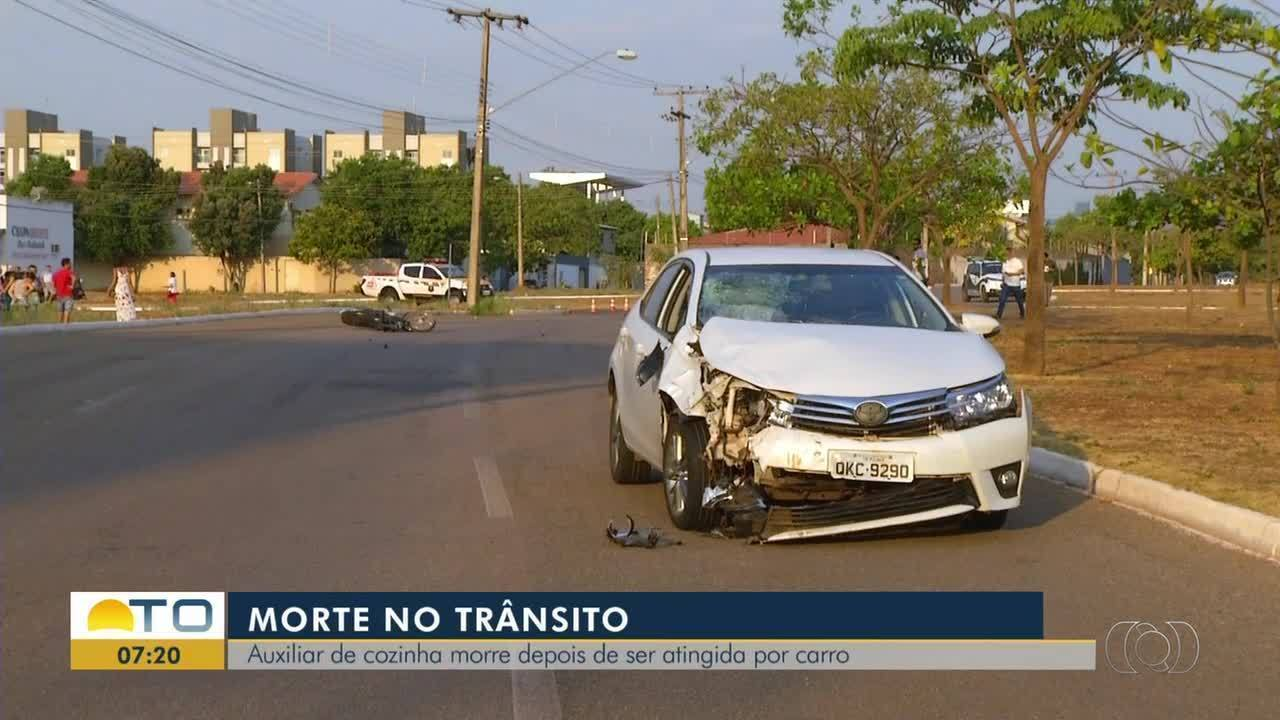 Cozinheira morre após motocicleta ser atingida por carro em cruzamento