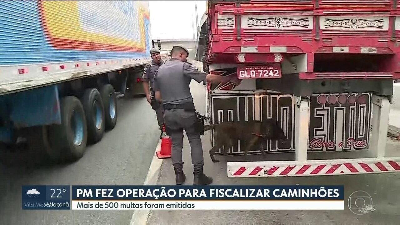 PM faz operação para fiscalizar caminhões em SP