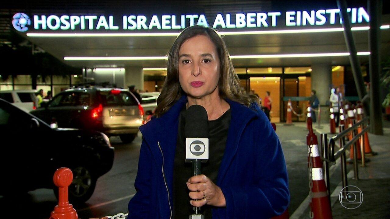 Candidato do PSL, Jair Bolsonaro, tem febre e faz drenagem