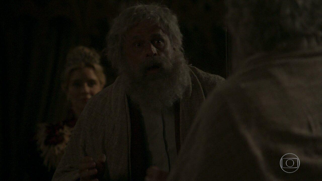 Almirante Tibúrcio é atormentado por espírito de Josephine