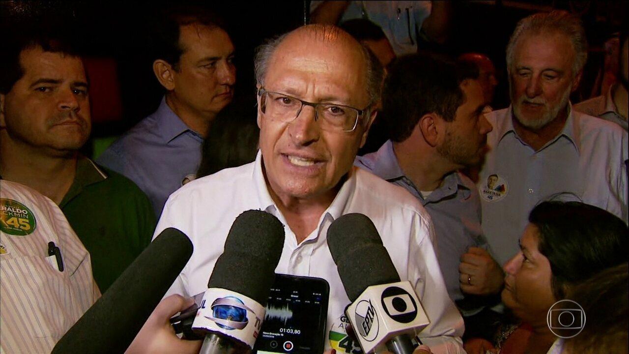 Candidato do PSDB passou a manhã desta terça-feira em São Paulo
