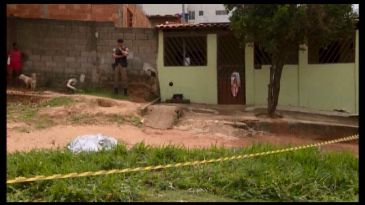 Jovem é morta na porta de casa em Divinópolis