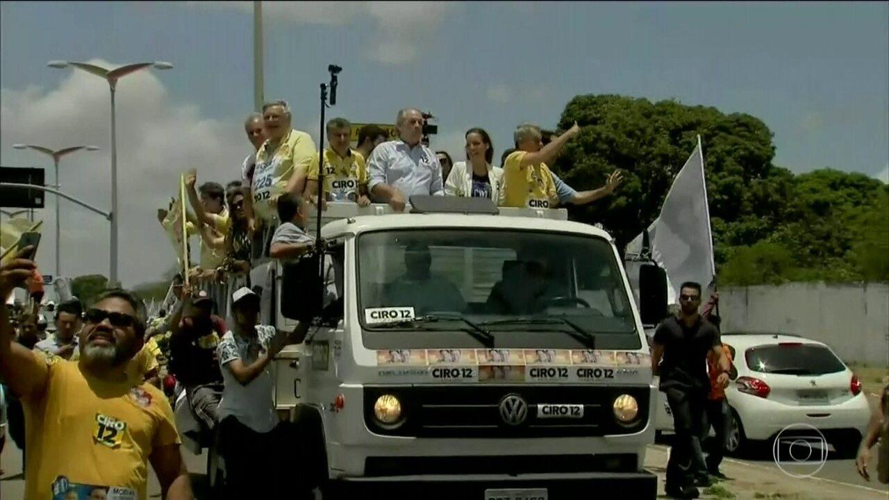 Ciro Gomes (PDT) fez campanha no Ceará neste sábado (6)