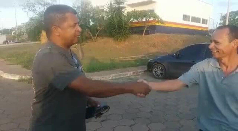 Motorista desempregado sai para fazer empréstimo no DF, encontra carteira com R$ 3,4 mil e