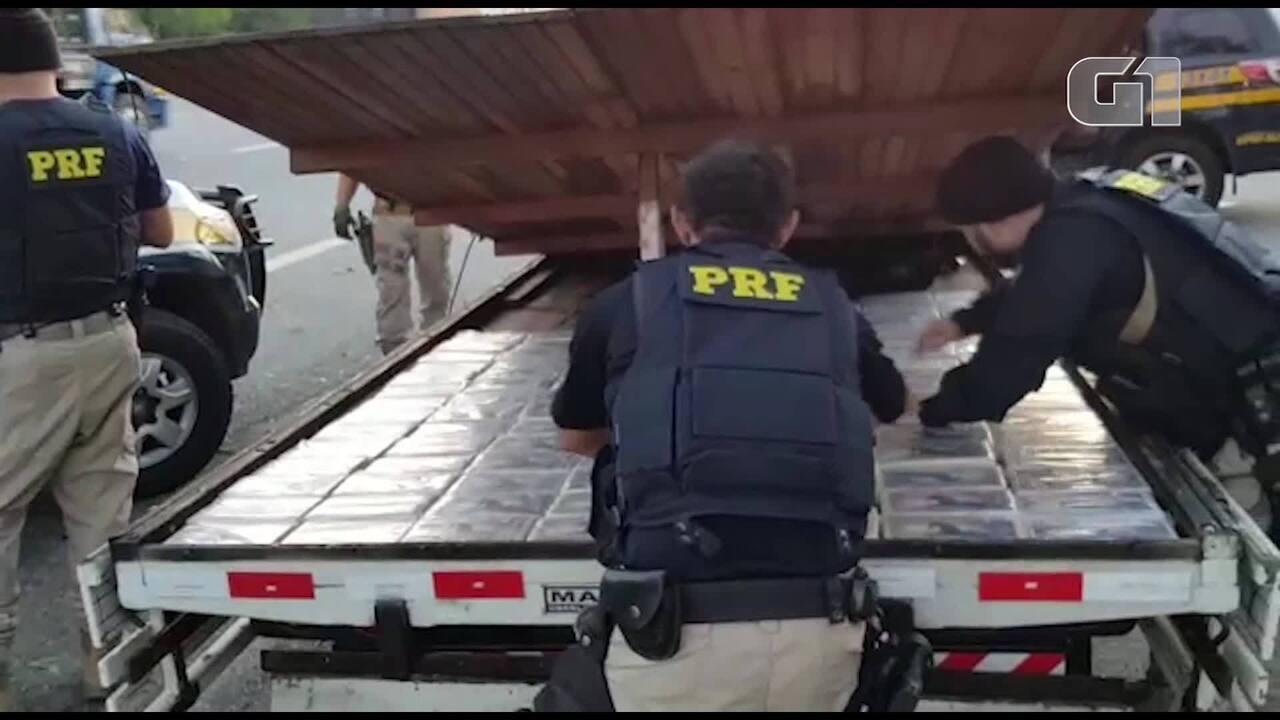 PRF apreende 110 kg de cocaína em fundo falso de carreta na Via Dutra, em Seropédica