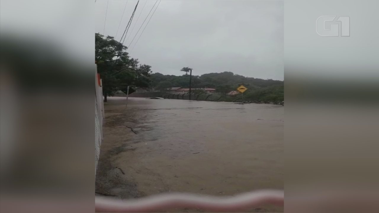 Chuva forte causa danos aos moradores do Bairro Vital em Iperó