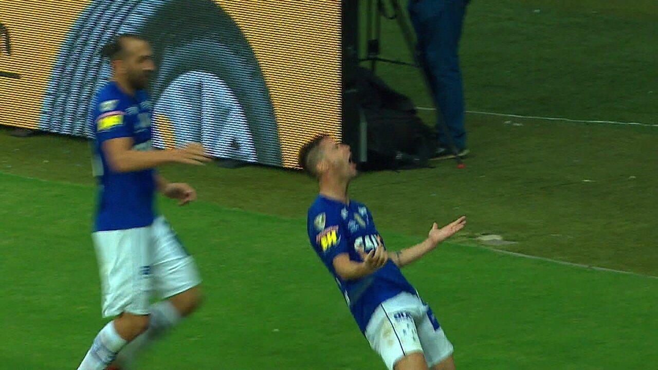 4fca230894 Dedé exalta poder de decisão de Thiago Neves no Cruzeiro e conta com ...