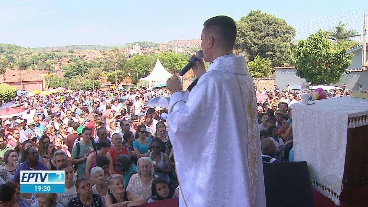 Romaria de Nossa Senhora Aparecida reúne milhares de fiéis em Ribeirão Preto