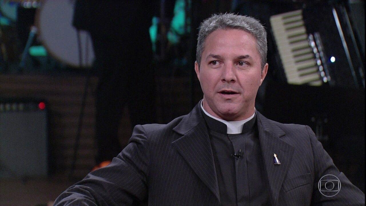 O padre Camilo Junior tira dúvidas sobre Nossa Senhora Aparecida