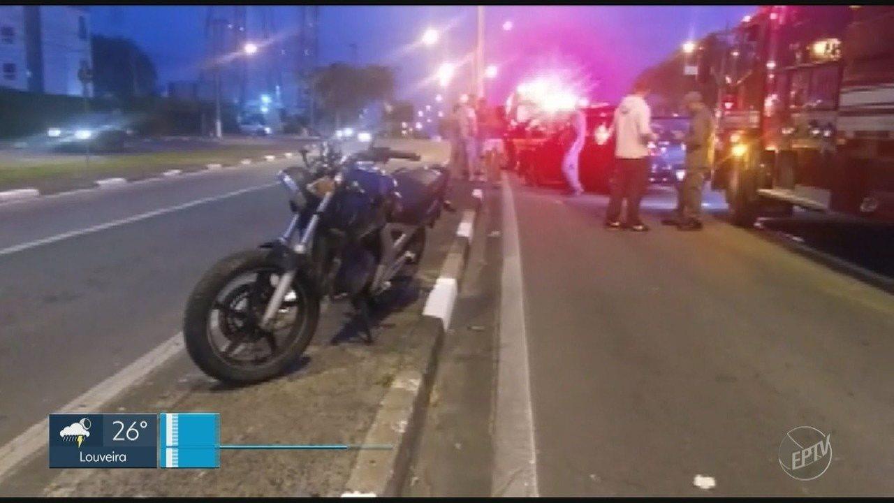 Mulher sofre ferimentos graves após acidente entre veículo e motocicleta em Campinas